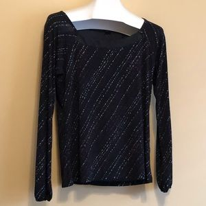 Size L Attention Long Sleeve Tunic